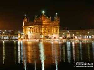 night-time-golden-temple-800x600.jpg